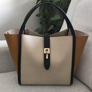 Blush Handbag with straps